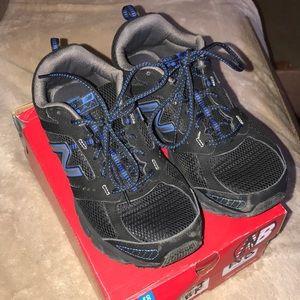 New Balance men's sneakers size 8.5 black blue
